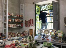71564299-5435-41EE-A465-2C632373EDFD-scaled El Carmen de Viboral: A Tradition of Ceramic Artisans Colombia