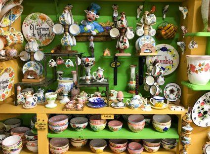 Bright-scaled El Carmen de Viboral: A Tradition of Ceramic Artisans Colombia