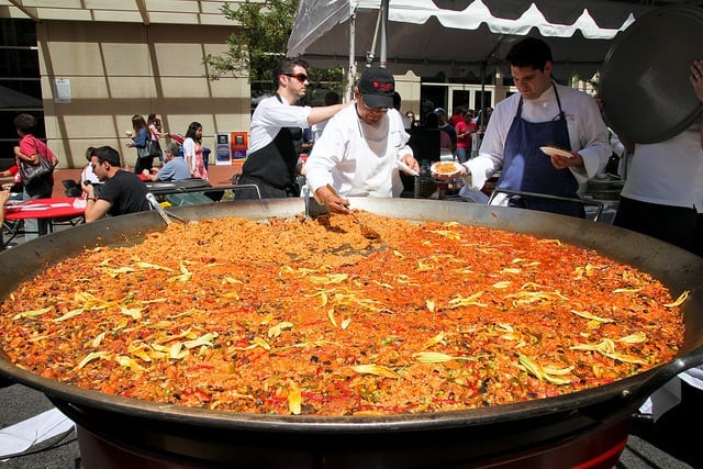 Fideuà vs. Paella: The Spanish Dish Showdown