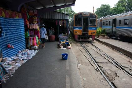 Mahachai station