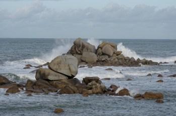 Poulennou, les rochers et les vagues