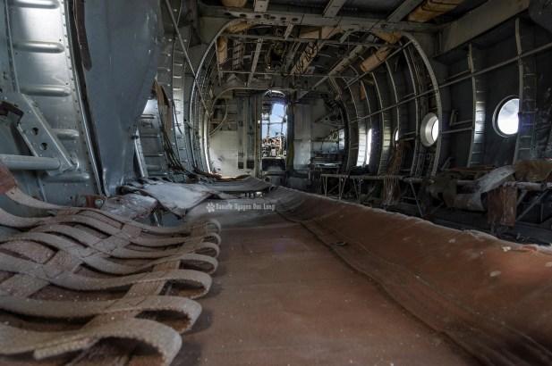plane top gun intérieur vue avant premier plan siège cuir gauche copie