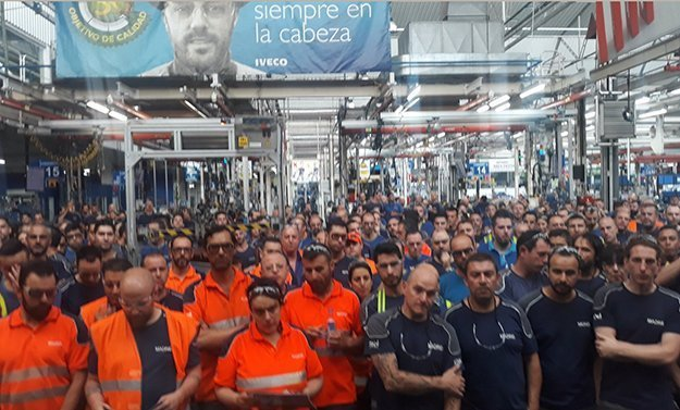 Archivo. Foto de una asamblea en la que se acordó la huelga de septiembre de 2018.