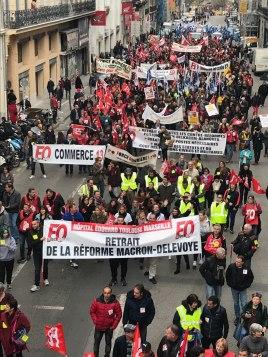 Marseille, par dizaines de milliers.