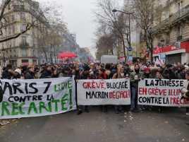 Les jeunes dans le cortège à Paris
