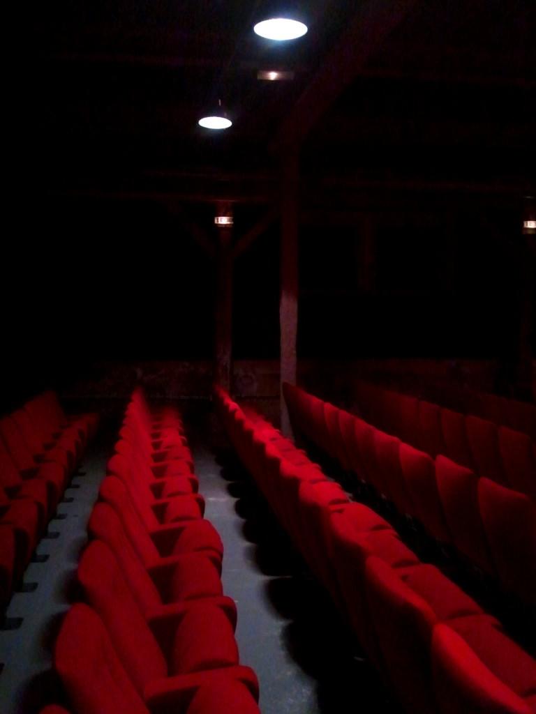 Theatre De La Reine Blanche : theatre, reine, blanche, Découvrez, Théâtre, Reine, Blanche, Troupe