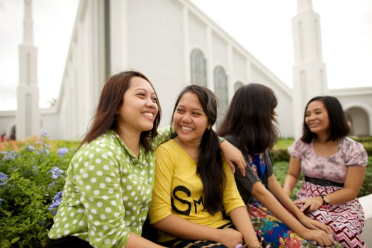 Photo of young women in front of the Manila, Philippines Temple courtesy of lds.org
