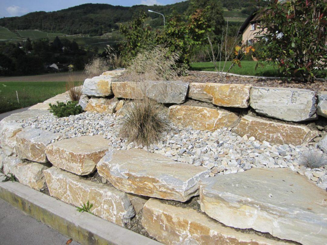 Enrochement en pierre de St Leonard avec plantations