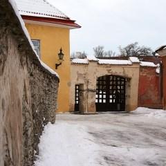 Bild: In der Oberstadt von Tallinn ist der Verfall der letzten Jahrzehnte eher greifbar als in der Unterstadt.