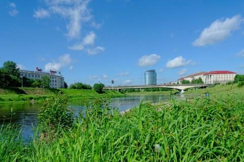 Bild: Das ist Šnipiškės, der moderne Stadtteil von Vilnius. An der Neris. NIKON D700 und AF-S NIKKOR 24-120 mm 1:4G ED VR.