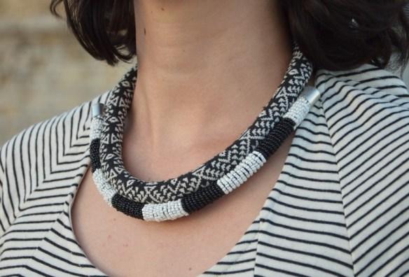 collier ethnique rayures noir et blanc pimkie