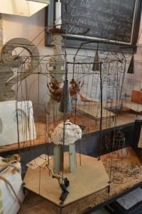 sculpture en fil de fer extravagance concept store grenoble