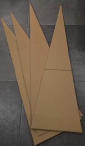 diy-tutoriel-sapin-cone-pyramide-carton-decoration