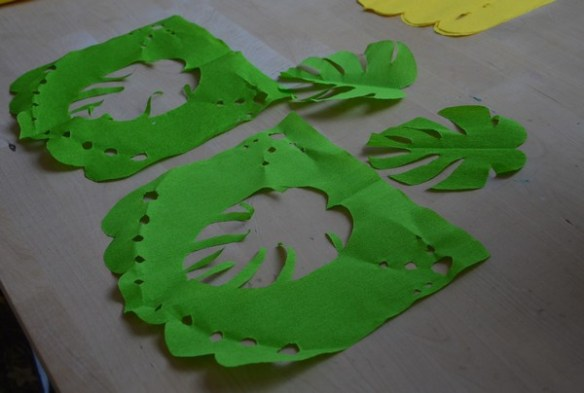 diy-guirlande-papier-tropical-decoration-crepon-tutoriel