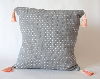 coussin-creatrice-vegan-medaille-blanche-etsy