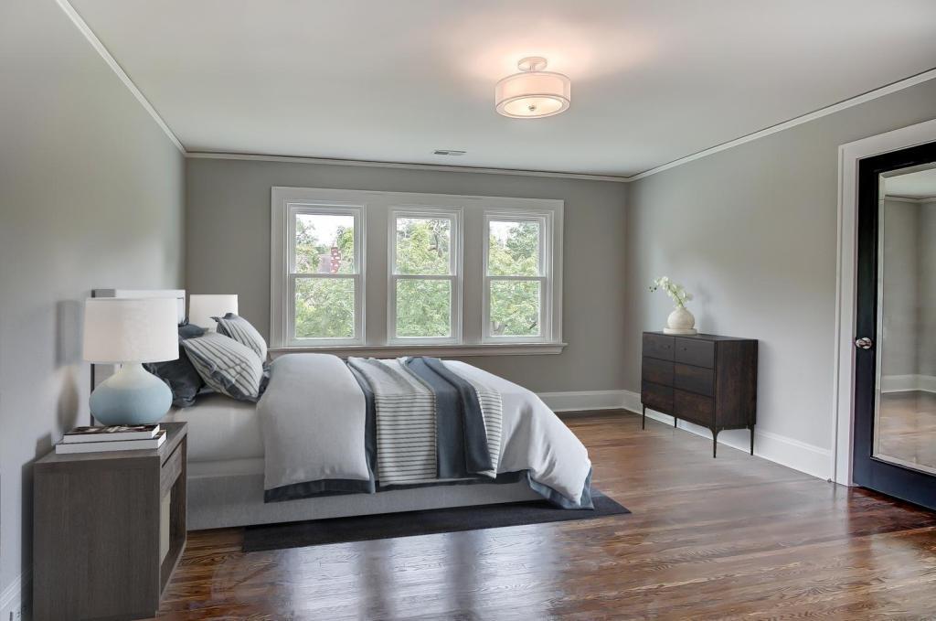 5039 Anderson Bedroom 1