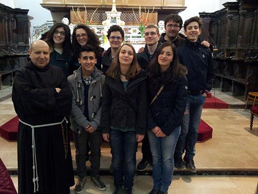 Il gruppo dei neo-promessi insieme all'Assistente Spirituale, fra Antonio e al Guardiano fra Giuseppe