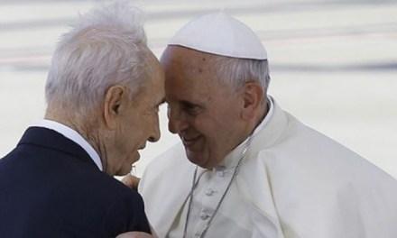 Shimon Peres a Papa Francesco: Fondiamo l'ONU delle religioni