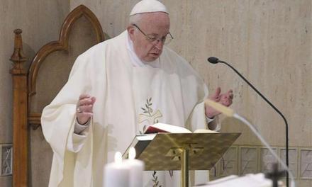 Il Papa: «Seguire Gesù non per interesse ma per la fede»