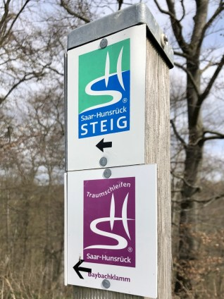 Schilder des Saar-Hunsrück-Steigs