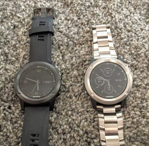 Garmin fēnix 3 HR (li.) vs. Garmin fēnix 3 Titanium (re.)