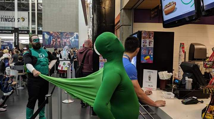 Creative Green Lantern Cosplay