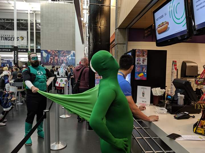 Creative Green Lantern Cosplay