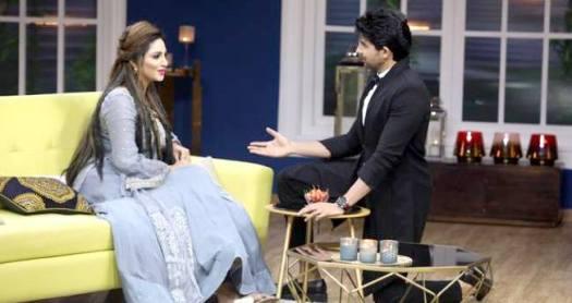 Arshi Khan set fire on Rajeev's show Juzz Baatt with Hiten Tejwani and Husein Kuwajerwala
