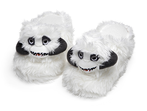 A Pair Of White And Fuzzy U0027Star Warsu0027 Slippers With A Little Wampa Head
