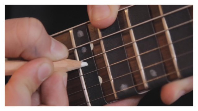 Fret Zealot, A Guitar Learning System With LED Lights That Show ...