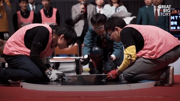 little-robots-battle-for-mechanical-supremacy-in-the-lightning-fast-world-of-robot-sumo Little Robots Battle for Mechanical Supremacy in the Lightning Fast World of Robot Sumo Random