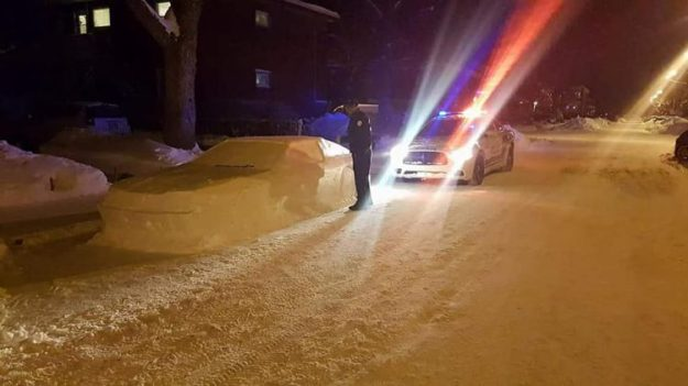 police-almost-ticket-car-made-out-of-snow-e1516840469760 Unsuspecting Police Officials Are Nearly Tricked Into Issuing a Parking Price tag to a Automotive Made Out of Snow Random