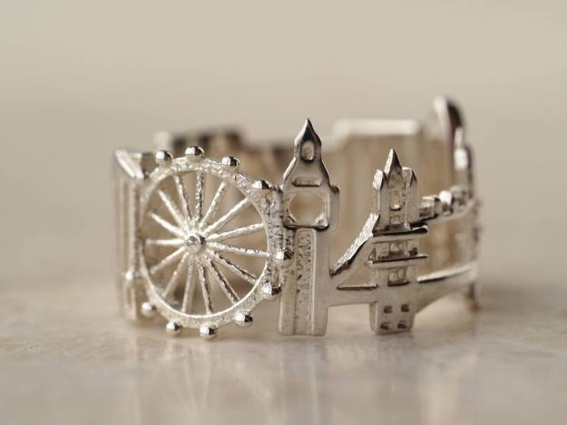 london-cityscape-ring Stunning Cityscape Rings Featuring Significant Geographic Icons From Cities All Over the World Random