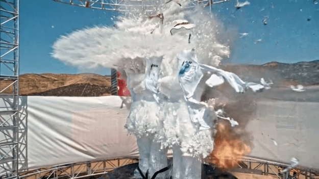 ice-sculpture-explosion Blowing Up an Ice Sculpture in Super Slow Motion Using a 'Bullet Time' Rig Random
