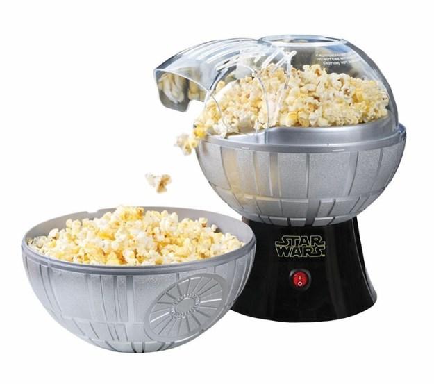 star-wars-death-star-popcorn-maker-7 Star Wars Death Star Popcorn Maker Random
