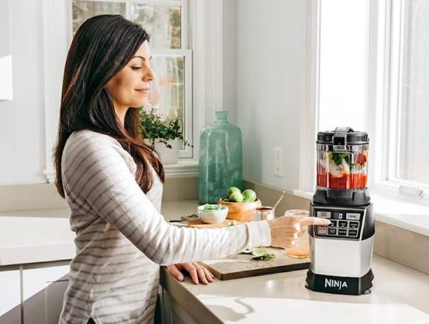 ninjac2ae-4-in-1-kitchen-systeme284a2-blender-processor-spiralizer-high-speed-blending-cup-fruit A Powerful Ninja 4-in-1 Kitchen System That Blends, Chops, Minces, Grinds, Purees and Spiralizes Food Random