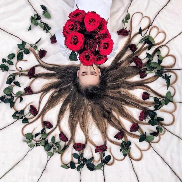 Krissy-Elizabeth-Hair-Flat-Lay Dutch Artist Captures Beautiful Portraits That Feature Her Long Thick Hair Laid Out Entwined With Flowers Random