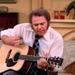 Roy Clark Performs an Absolutely Incredible Flamenco Cover of 'Malagueña' on 'The Odd Couple' in 1975