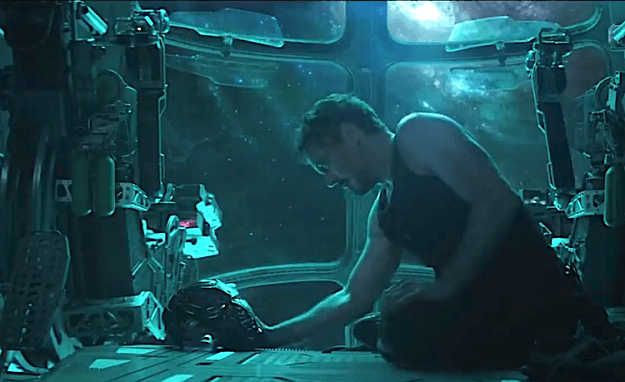 Avengers-Endgame-Roberty-Downey-Iron-Man-Thanos Avengers: Endgame, Tony Stark Says Goodbye While Surviving Superheroes Scramble to Save What's Left Random