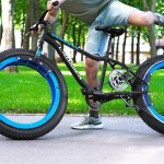 Engineer Removes the Spokes From the Wheels of His Bike to Create an Incredible 'Hubless Bicycle'