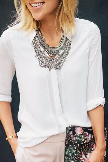 Una camisa blanca igual a mil y un looks