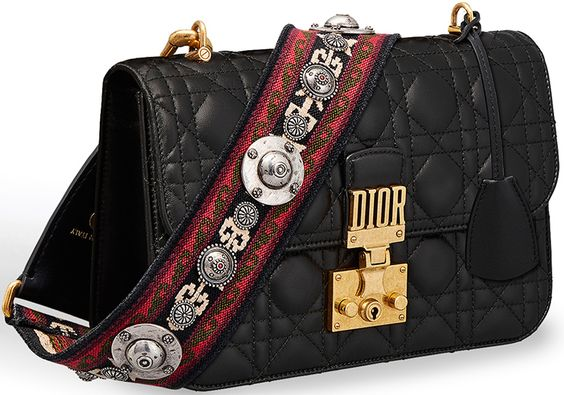 El accesorio IT del momento, las correas o Guitar straps para tu bolsa.