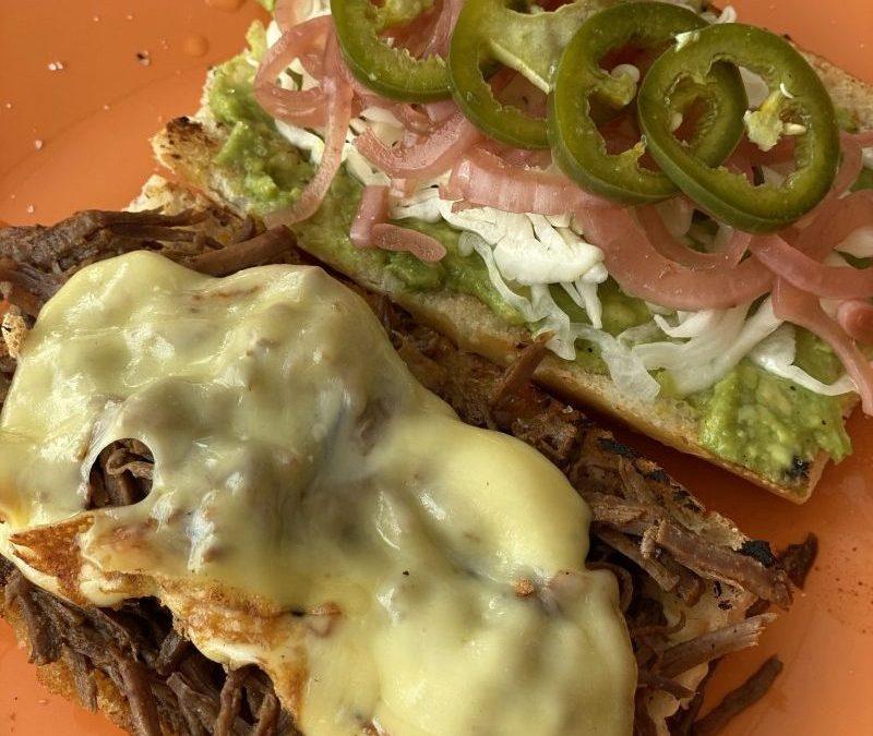 Sandwich de Carne Deshebrada