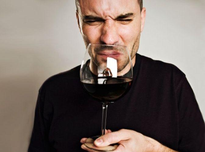 ¿Cuándo rechazar un vino en un restaurante?