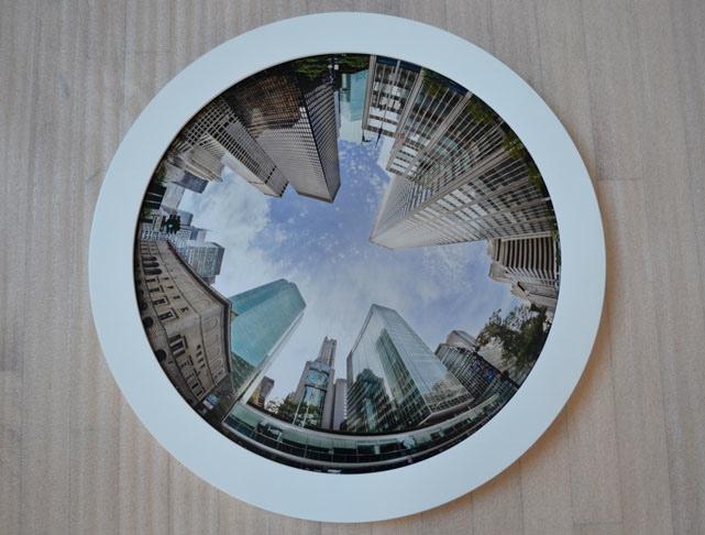 LAUMONT-circle-frame