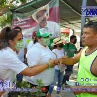 Luz Baxi y Anahi Serna recorre Medellín.