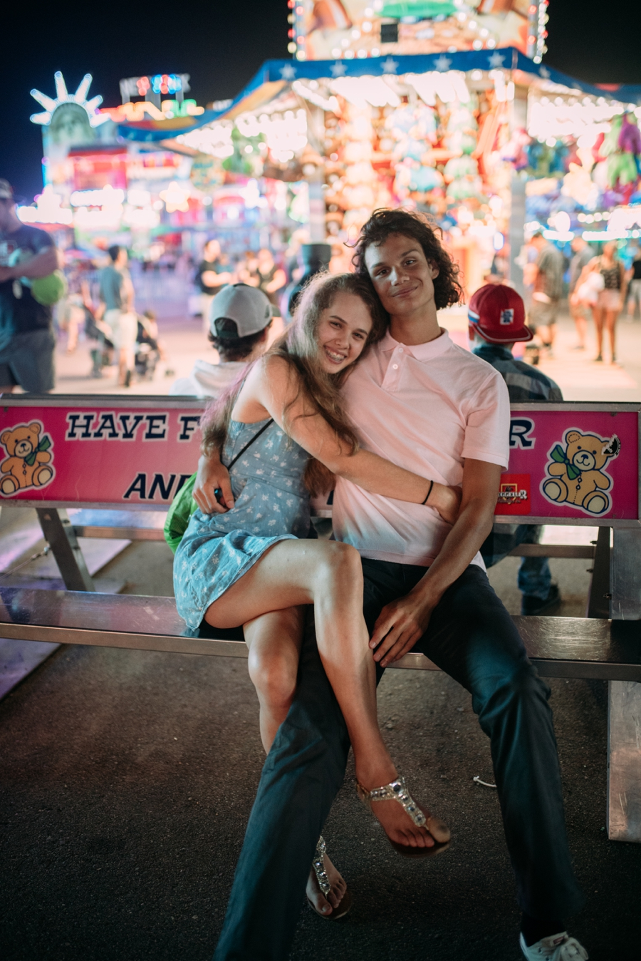 Casual Love from the Minnesota State Fair Couples  Minneapolis Photographer Laura Alpizar