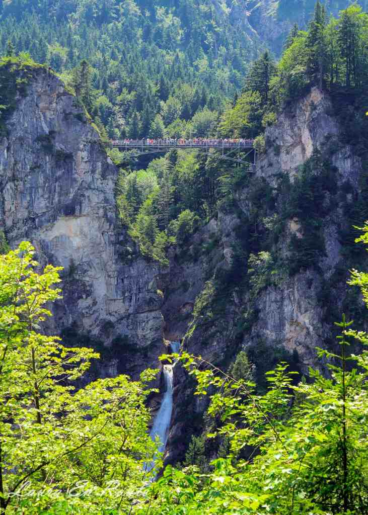 Pollat Gorge Bridge at Neuschwantstein Castle - www.lauraenroute.com
