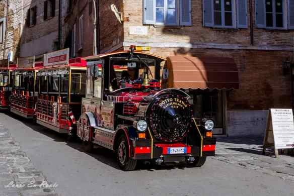 All Aboard the Gubbio Express for a city tour - www.lauraenroute.com