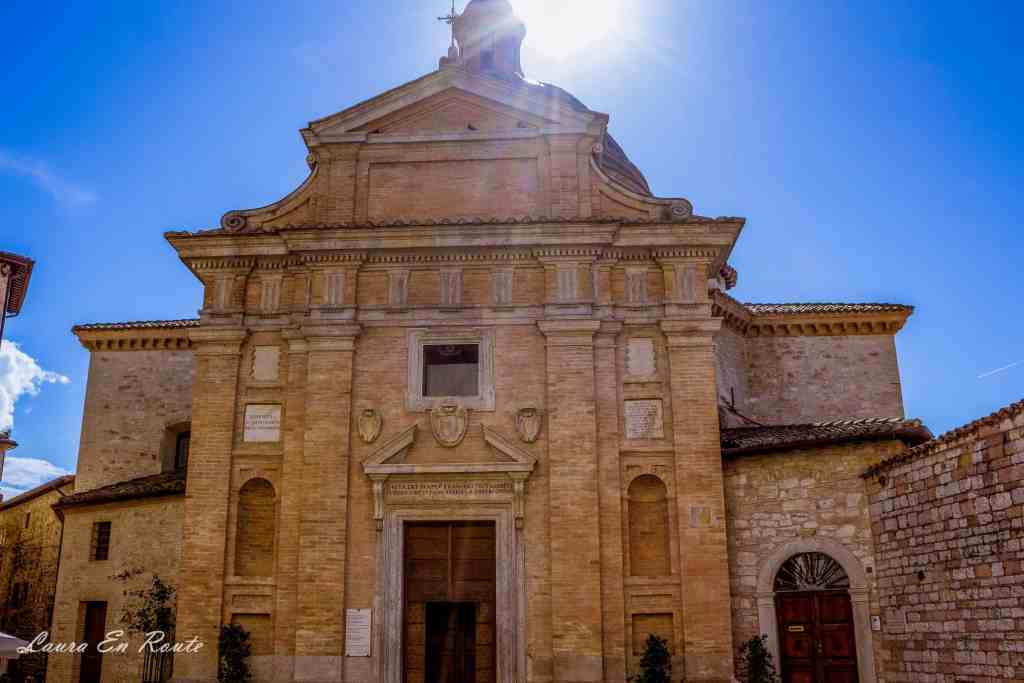 Chiesa Nuova, Assisi, Italy -www.lauraenroute.com